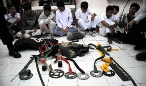 Hanya di Indonesia Ada Pelajaran Tawuran