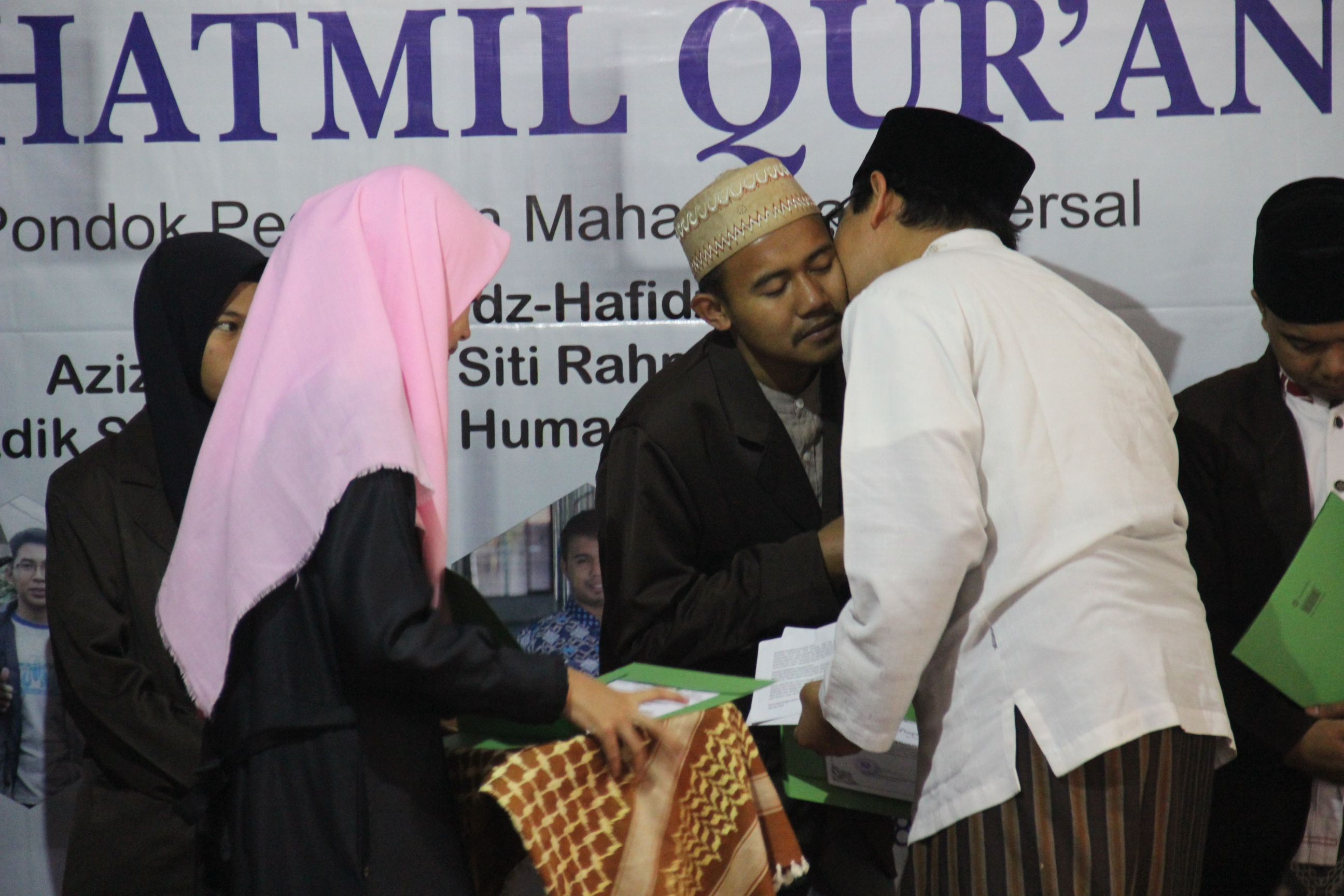 Membumikan Islam Dengan Cinta